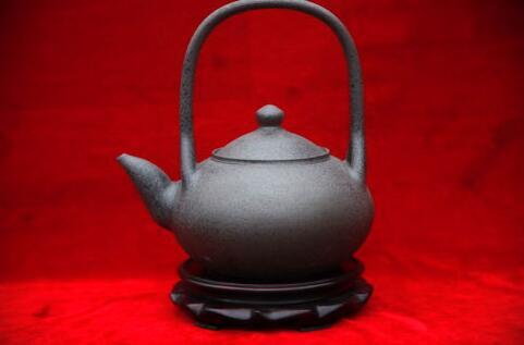 茶壶煮饺子_厨具,茶具:可用来炒菜,烧水,烙饼,煮饺子,甚至炒茶叶.